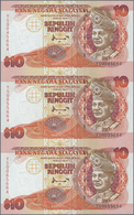 Malaysia: Set Of 2 Uncut Sheets Of 3 Notes Each 10 Ringgit ND P. 38 And 10 Ringgitt ND P. 42, In Ori - Malaysia