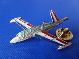 Pin's Militaire - Armée De L'air - Fouga Magister - Avion De Chasse - Fab. Segalen (Q21) - Airplanes