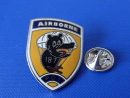 Pin's Militaire - Armée De L'air - Airborne 187 PGI - Parachutiste Para (LB14) - Army