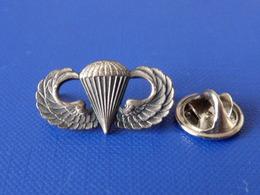 Pin's Militaire - Armée De L'air - Insigne - Parachutiste Para Parachute - Double Attache (LB20) - Army