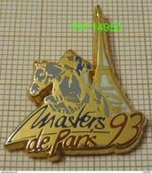 EQUITATION   MASTERS  De PARIS 93 Tour Eiffel   En  Qualité ARTHUS - Badges