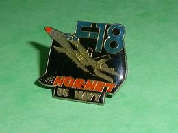 Pin's / Avions  :  F18 Hornet Us Navy    TB2V - Airplanes