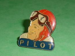 Pin's / Avions  :  Pilot (verso , Systeme Broche )    TB2V - Airplanes