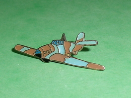Pin's / Avions  : Chasseur    TB2V - Airplanes