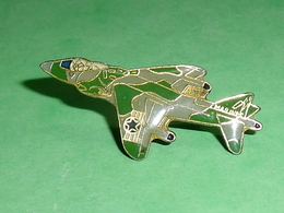 Pin's / Avions  : Chasseur , Marines   TB2V - Airplanes