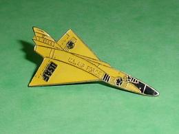 Pin's / Avions  : Chasseur Us Air Force , USAF   TB2V - Airplanes