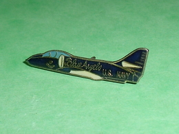 Pin's / Avions  : Chasseur , Us Navy , Blueangelo   TB2V - Airplanes