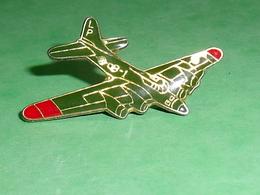 Pin's / Avions  : Bombardier    TB2V - Airplanes