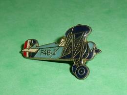 Pin's / Avions  :  F4B 1     TB2V - Airplanes