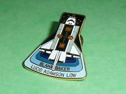Pin's / Avions  : Fusée , Navette    TB2V - Airplanes