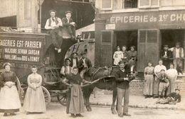 Seine Saint Denis -  Livry Gargan : Attelage Des Messageries EST - PARISIEN   Devant Une Epicerie ( Rue De L' Abbaye ) - Livry Gargan