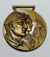 MEDAGLIA -  Decennale Della RESISTENZA -  Ai Lavoratori Salvaguardia Dell' INDUSTRIA (1944 - 1954) Bronzo / 30mm - Italia