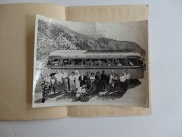 Photo 24cm/18cm D'un Groupe De Personnes En Autocar Sur La Route De La Grande Corniche De Nice En Italie. - Photos