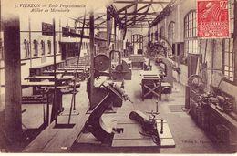 18 5 VIERZON Ecole Professionnelle Atelier De Menuiserie - Vierzon
