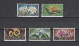 (S0036) INDONESIA, 1957 (Flowers). Complete Set. Mi ## 205-209. MLH* - Indonesia