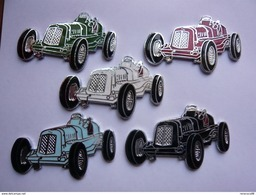 5 Pin S Automobile E R A 4 X 2,5 Cm Different Neuf - Badges