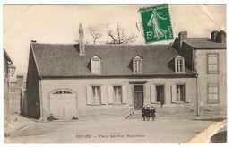 Decize / Place Général Hanoteau / Etat ! - Decize