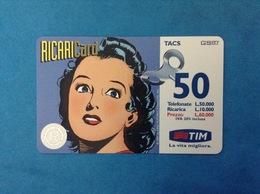 ITALIA SCHEDA TELEFONICA RICARICARD TIM USATA USED PHONE CARD - UOMO MASCHERATO DONNA 50.000 LIRE APR 2000 - Italy