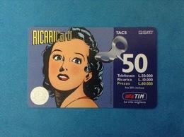 ITALIA SCHEDA TELEFONICA RICARICARD TIM USATA USED PHONE CARD - UOMO MASCHERATO DONNA 50.000 LIRE LUG 2000 - Italy
