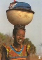 BURKINA FASO - SINDOU - Infatigables, Marcheuses, Souriantes, Telles Sont Ces Femmes Peulh....FEMME - FILLE - AFFRICAINE - Burkina Faso