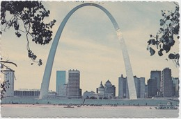 Gateway Arch & Downtown St. Louis Skyline, Unused Postcard [20809] - St Louis – Missouri