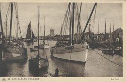 Fishing Boats -  Les Sables D`Olonne.    France. S-4166 - Fishing Boats