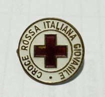 DISTINTIVO / SPILLA - CROCE ROSSA ITALIANA GIOVANILE (Attacco A Spilla) Produttore: S.A.F. - Medical