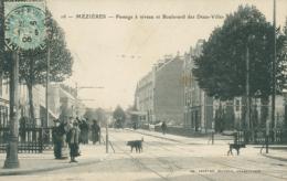 08 CHARLEVILLE /Passage à Niveau Et Boulevard Des Deux Villes / - Charleville