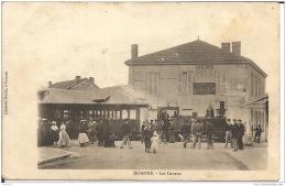 42  ROANNE  Les Canaux - Gares - Avec Trains