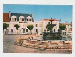52 - NOGENT EN BASSIGNY / PLACE DE L'HOTEL DE VILLE - Nogent-en-Bassigny