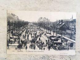 62 - CPA Animée ARRAS - Le Marché Aux Chevaux (B.D, 38) - Arras