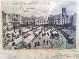 62 - CPA  Animée ARRAS - La Petite Place, Un Jour De Marché (BD-10) - Arras