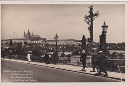 TCHEQUIE 1935 CARTE POSTALE DE PRAGUE   PONT CHARLES ET HRADCIN - República Checa