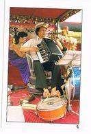 ASIA1190      TAIPEI : One-Man Band - Taiwan