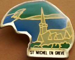 Z  404  )....ECUSSON.../....SAINT  MICHEL  EN  GREVE....département Des Côtes-d'Armor, Dans La Région Bretagne - Badges