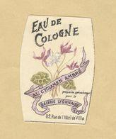 Etiquette Parfum Eau De Cologne Au Cyclamen Ambré .... Galerie Lyonnaise LYON - 3,3 Cm X 4,8 Cm En Superbe.Etat - Labels