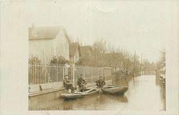78-Villennes Sur Seine : Carte Photo 1910 Innodation Du Parc Avec Hommes Dans Barques - Villennes-sur-Seine