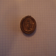 Reliquaire Pendentif Argent Saint Vincent De Paul Daté 1854 - Religion & Esotérisme