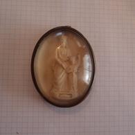 Vierge à L'enfant Dans Un Cadre Bombé Napoléon III Signature à Identifier - Religion & Esotérisme