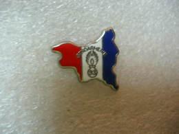 Pin's De La Gendarmerie, Drapeau Francais, Bleu Blanc Et Rouge - Police