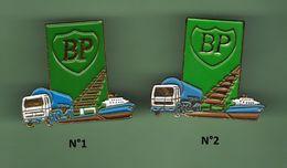 BP *** TRANSPORT *** Lot De 2 Pin's Differents *** A032 - Fuels