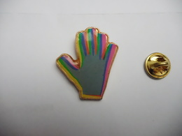 Beau Pin's , Main - Badges