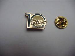 Beau Pin's , Optique , 10 Strict Opticiens , Lunettes - Badges