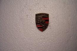 PINS  - PORSCHE - ( Hauteur 25mm ) - Porsche