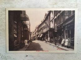 62 - CPA Animée ARRAS - Rue Ronville (Fauchois) - Arras