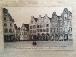 62 - CPA Animée ARRAS - Vieilles Maisons De La Grand'Place - C (B.D.,17) - Arras