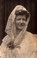 Carte Photo Originale Portrait De Betty Adam Le 24.12.1908 à Hambourg - Hamburg Atelier Boriemps - Mariée ? Coiffe - Persone Identificate