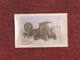 RARE CAMION VAPEUR 1902 LOT DE DEUX PHOTOS CHEMIN DES PINS USINE DE POTEAUX A SITUER - Camions & Poids Lourds