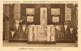 Pays Div-ref K861 - Madagascar -exposition Coloniale -pavillon Des Missions -peres Jesuites -tombeau Hova  - - Madagascar