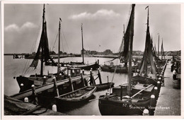 Staveren Vissershaven - & Boat - Pays-Bas